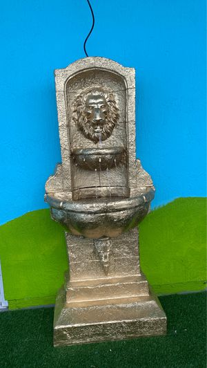 Water fountain lion for Sale in Miami, FL