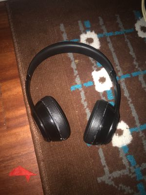 Beats solo wireless for Sale in Cleveland, OH