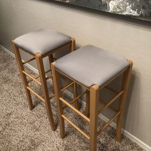 Gorgeous 30 Inch Bar Height Grey Stools Counter Height Stools With Brand New Grey Upholstery for Sale in Chandler, AZ