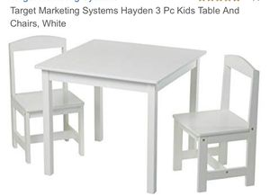 Kids table and 2 chairs for Sale in Chicago, IL