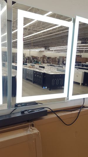 Led Lighted Mirror With Defogger for Sale in Orlando, FL