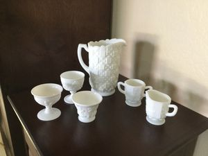 Vintage Milk Glass Serving pieces, mixed lot for Sale in Gilbert, AZ