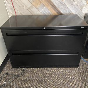Large 2 Drawer File Cabinet for Sale in Redlands, CA