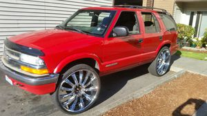 2001 chevy blazer LS on 26s for Sale in Renton, WA
