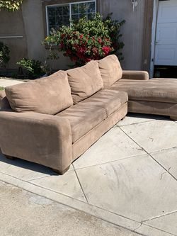 Sectional Sofa Free Delivery for Sale in Santa Ana,  CA