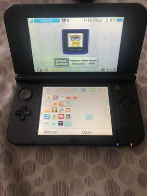 Nintendo 3Ds XL with charger and 2 games for Sale in Miami, FL