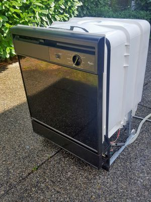 Whirlpool dishwasher for Sale in Lynnwood, WA