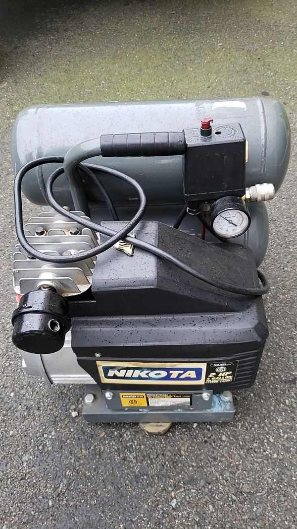 Nikita 2 hp 4 gallon air compressor $60