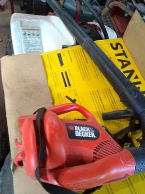Black & Decker electric leaf blower for Sale in Houston, TX