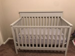 Fisher price gray crib with mattress included for Sale in Glendale, AZ