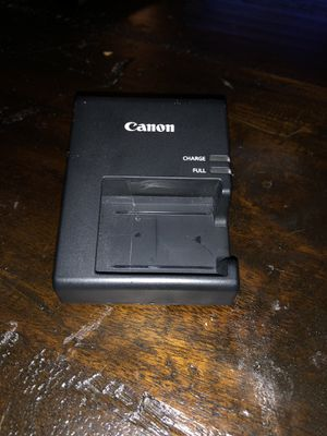 Canon battery charger for Sale in Chicago, IL