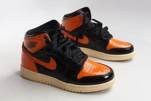 Size 5Y, shattered backboard Jordan 1's for Sale in Santa Fe Springs, CA