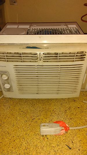 Frigidaire AC unit for Sale in Butler, PA