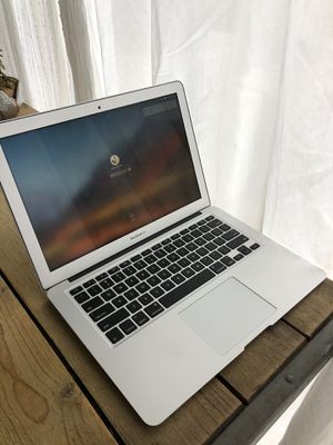 Apple Macbook Air Refurbished and in Great Condition for Sale in Beverly Hills, CA