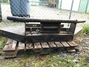 Bumper guard with winch platform, rollers and hooks for Sale in Puyallup, WA