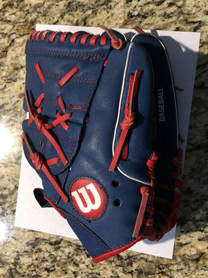 Boys Wilson Genuine Leather Baseball Glove Chicago Cubs Colors for Sale in Chicago, IL