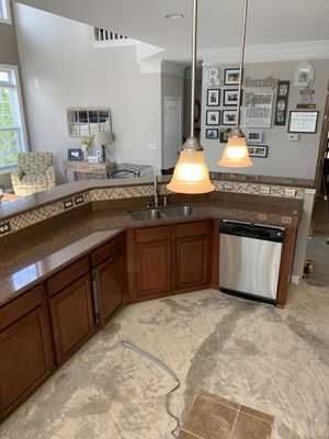 Kitchen cabinets with granite top for Sale in Fort Mill, SC