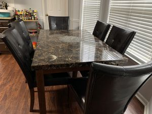 Dinning table set and 6 chairs for Sale in High Point, NC