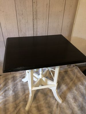 Antique small nook kitchen table for Sale in Orion charter Township, MI