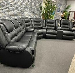 🤞🤞$39 Down Payment. 👈 👍Black Reclining Sectional 🙏👈 for Sale in Washington,  DC