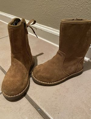 Toddler girl UGG boots size 8 for Sale in Houston, TX