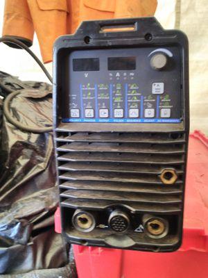 Miller dynasty 200 dx welder for Sale in Snohomish, WA