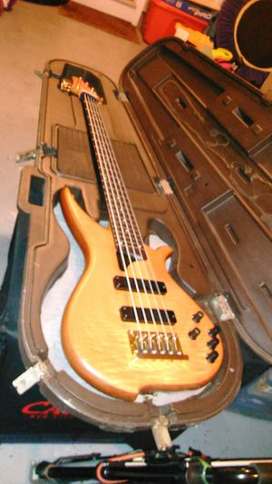 Bass Guitar Case. for Sale in Saint Charles, MD