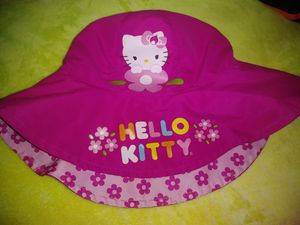 Toddler reversible hello kitty hat for Sale in Canton, GA