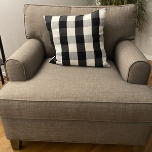 Grey Sofa Chair with Ottoman for Sale in Los Angeles, CA