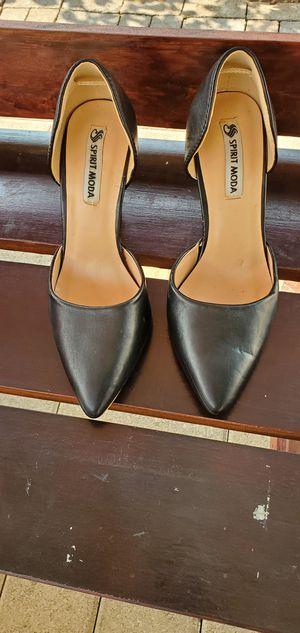 Black heels size 8 1/2 for Sale in Bell Gardens, CA