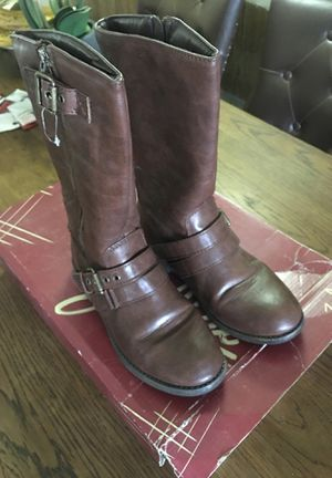 Girls boots size 4 for Sale in Lake Elsinore, CA
