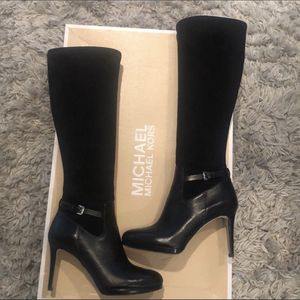 Michael Kors Boots for Sale in La Vernia, TX