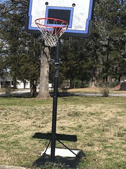 Basketball Goal - Make Offer for Sale in Taylors,  SC