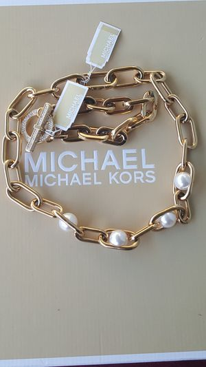 New Authentic Michael Kors Women's Goldtone Choker Necklace And Bracelet Set 🎁❤🎁❤ for Sale in Montebello, CA