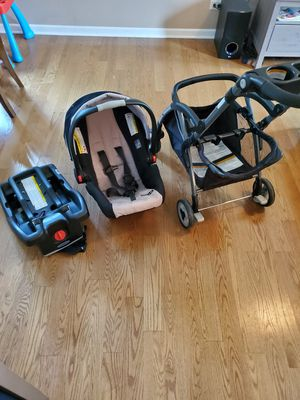 Graco Car Seat, Base and Light Rider for Sale in Glendale Heights, IL