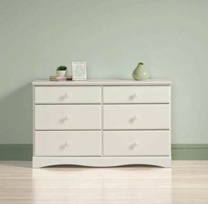 6 drawer dresser for Sale in Dallas, TX