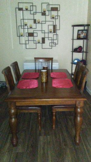 Dining table for Sale in Goodyear, AZ