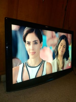 """42"""" SAMSUNG LCD HDTV for Sale in Los Angeles, CA"""