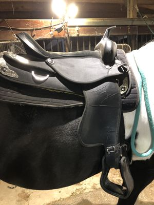 NEW WESTERN PLEASURE SADDLE for Sale in Pataskala, OH