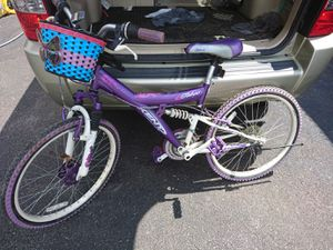 Girl's 24 bike for Sale in Cleveland, OH