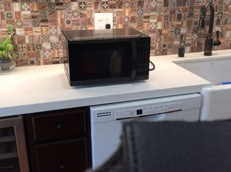 Microwave Oven for Sale in Simi Valley,  CA
