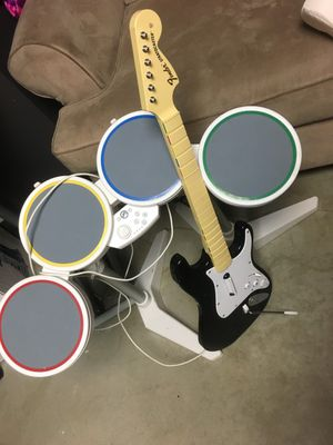 Rock band drum set with guitar and microphone for Wii for Sale in Thornton, CO