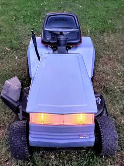 """Craftsman 38"""" 12.5hp Riding Mower for Sale in Silver Spring,  MD"""