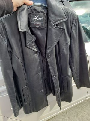 Leather Jacket womens size large good Quality Leather paid $350 asking for $50 for Sale in San Jose, CA