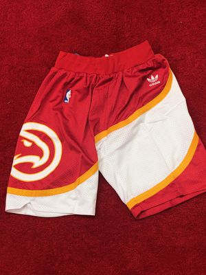 Atlanta hawks retro shorts men's medium for Sale in Atlanta, GA