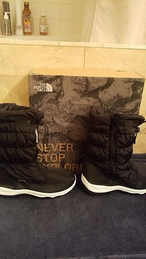 Brand new The North Face ozone park winter pull on boot tnf black us size 10 for Sale in San Diego, CA