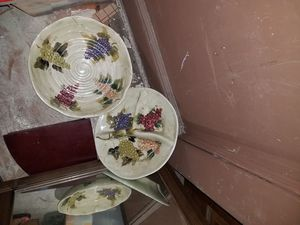 Cabernet hand-painted collection grapes 4 piece dinner set other items sold separately for Sale for sale  Elizabeth, NJ