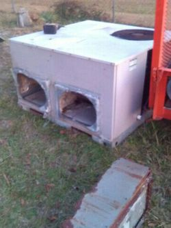 21/2 Ton Package Unit for Sale in Attapulgus,  GA