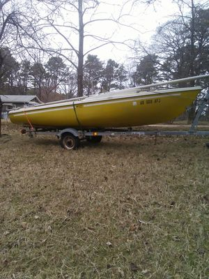 Yellow 16 ft Sail boat w/trailer for Sale in Eureka Springs, AR
