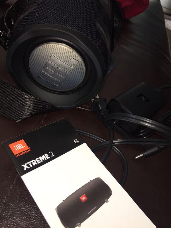 JBL Xtreme 2 like new it works perfectly!!